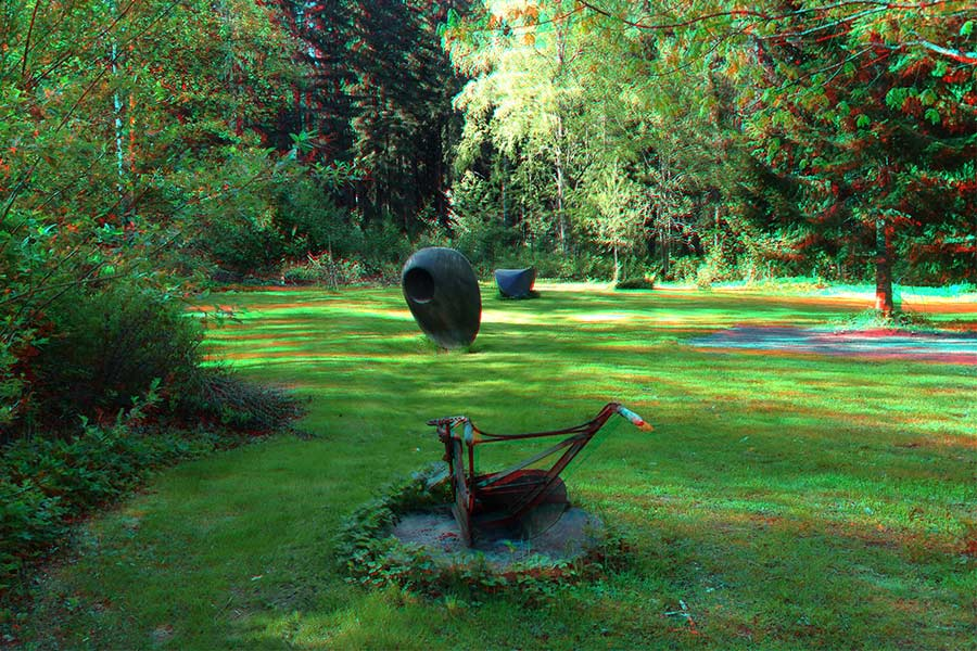 In 3d poam sculpture park bronze sculptures discoid form 3 and