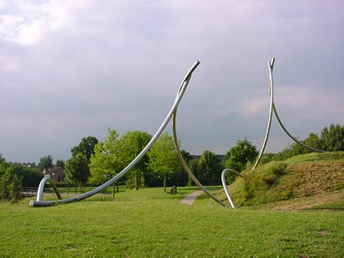 sculpture - stainless steel - in Houten Holland - c.y.f.