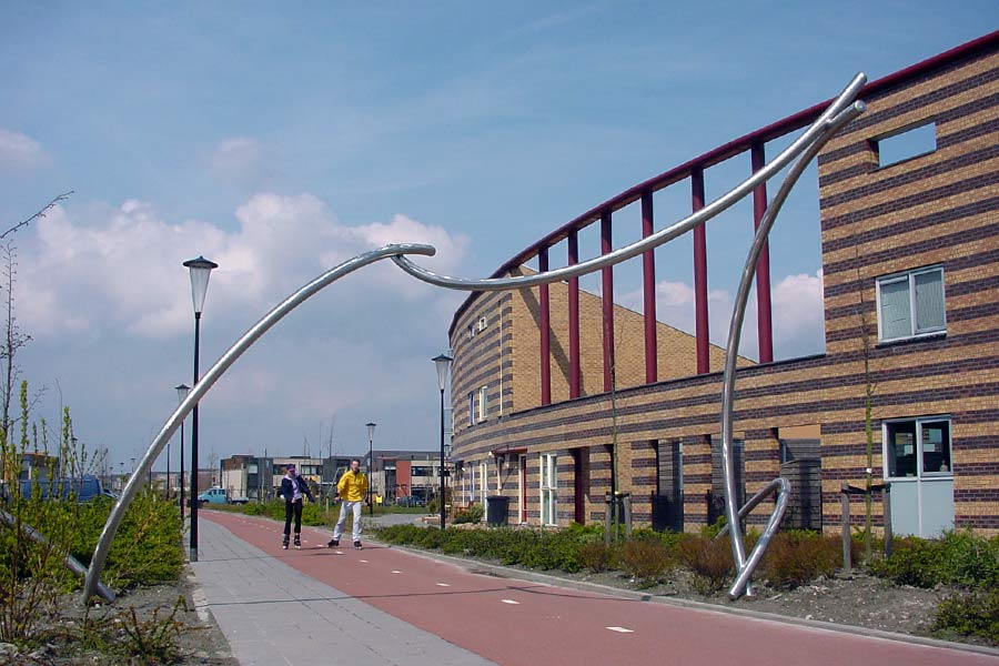 Arcadia complements the rounded architecture - stainless steel - a site specific sculpture in Heerhugowaard NL.