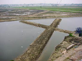 Zwijndrecht-Hendrik Ido Ambacht - Volgerlanden Walburg - site specific sculptures - land art - landscape design - concrete - his art works in cities and landscapes - environmental sculptures